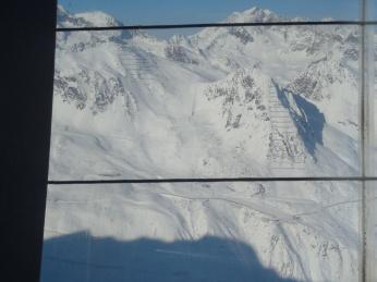 o partie neagra, care porneste de la 3000m, vazuta de pe Gaislachkogl
