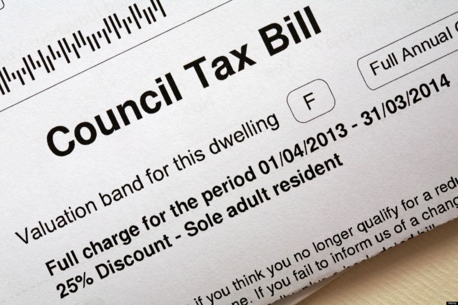 D4NT09 Council Tax bill 2013/2014 for property dwelling band F with 25% discount for sole adult resident