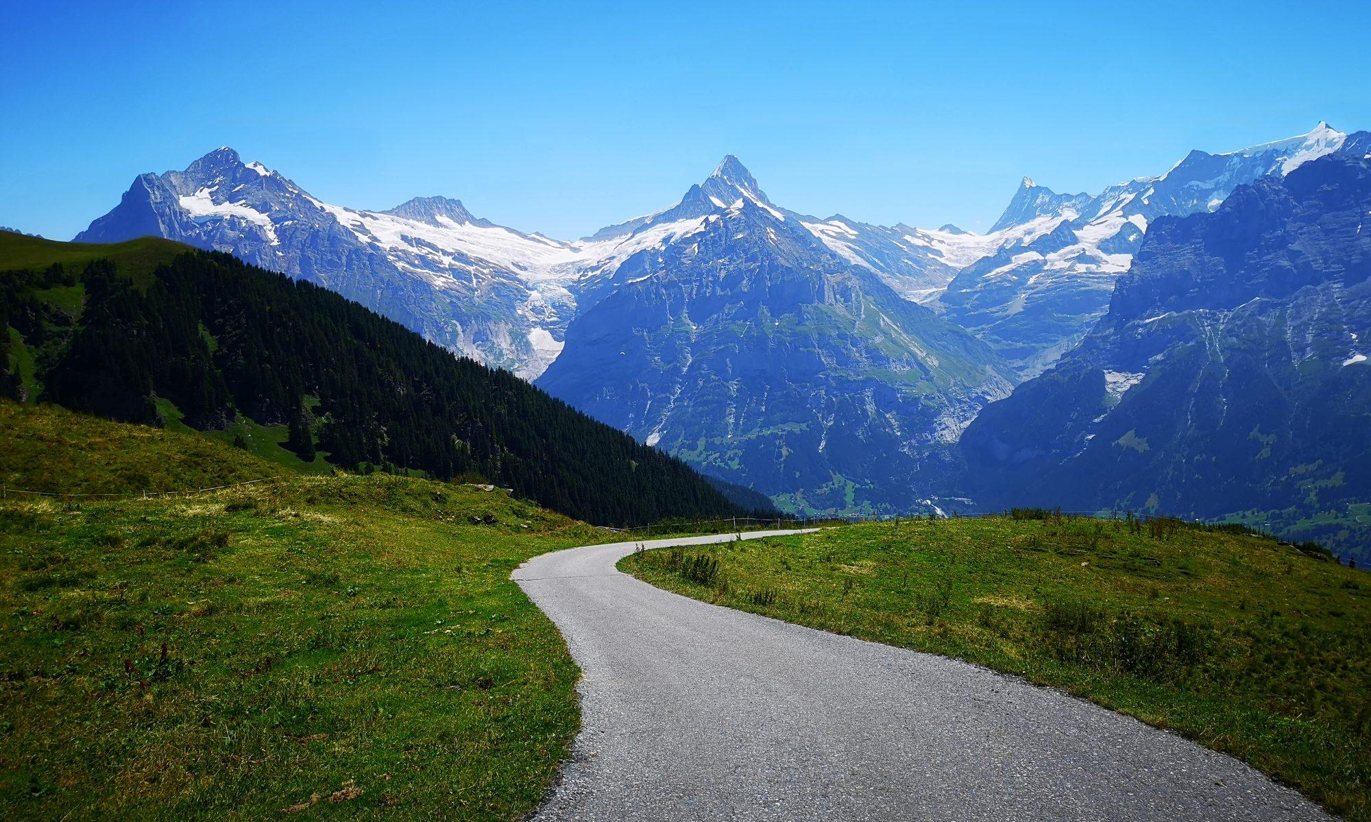 lungul drum pana departe